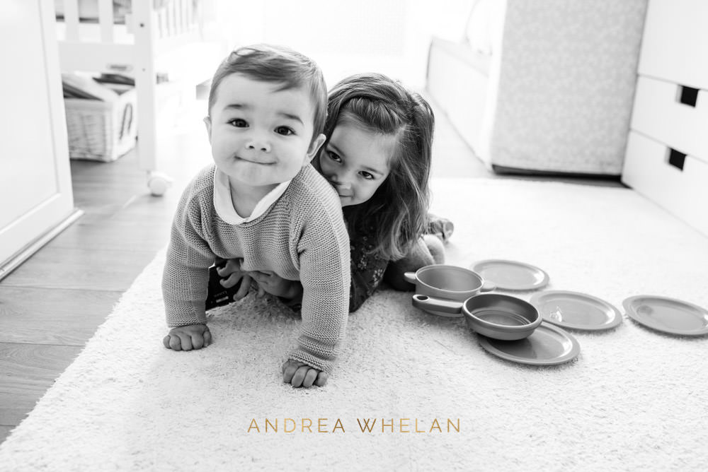 Central London sibling portrait photographer
