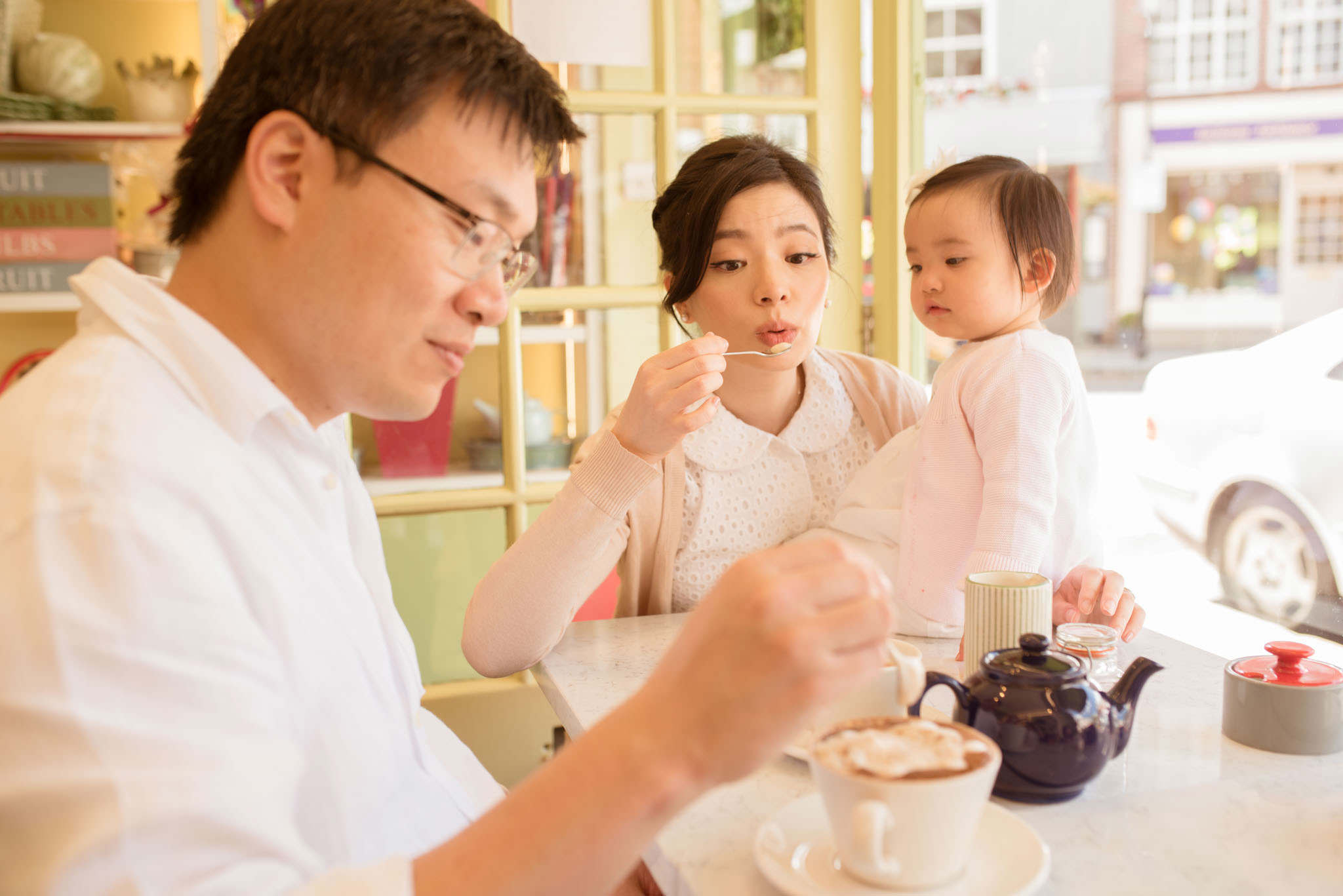 family in London cafe